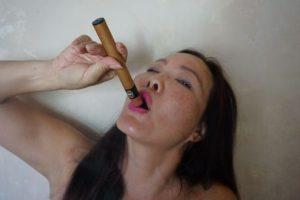 Nikki Cee J Cigar
